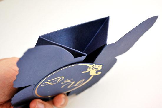 Сватбена покана във формата на пеперуда