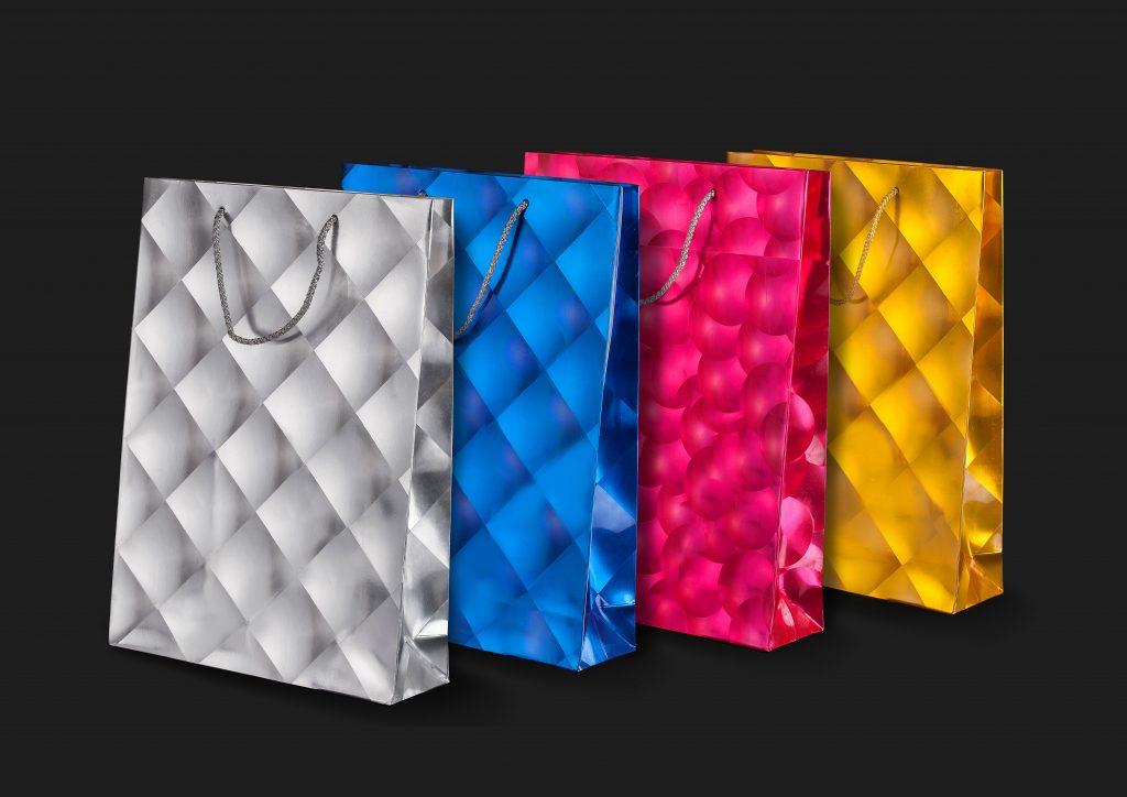 опаковки с триизмерни лупи