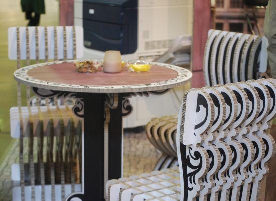 Столове и маса от Lightboard ECO