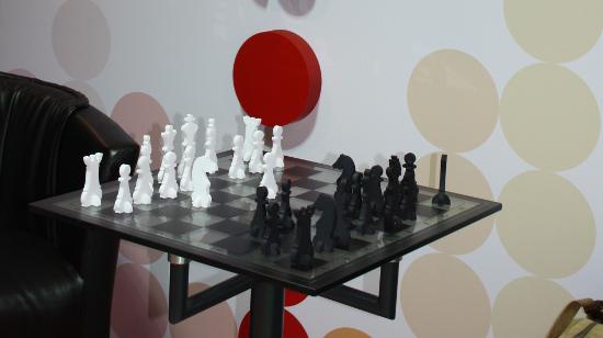 Шахматни фигури от стиропор