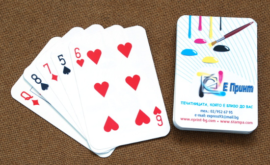 Карти за игра от синтетична хартия