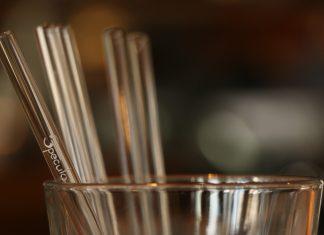 стъклени сламки